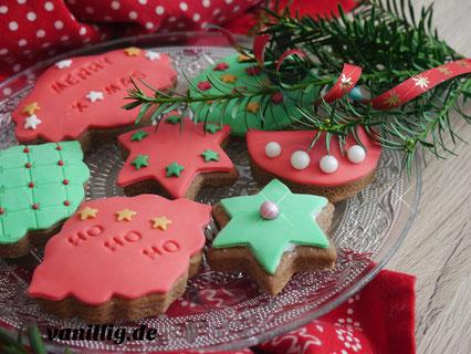 Weihnachten, Weihnachtsbäckerei, Plätzchen, einfaches Rezept, Plätzchen dekorieren, dekorieren mit fondant, rezept für plätzchen, gingerbread plätzchen, deko idee zum weihnachten, backen mit kindern