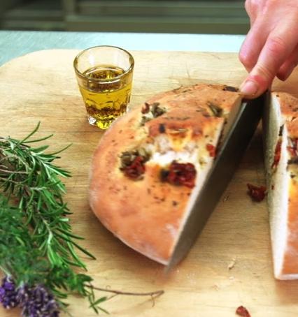 Selbstgebackenes Brot für eine gesunde Ernährung im Erlebnishof Gütle