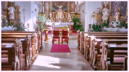 Kirche in Trunstadt sommerlich