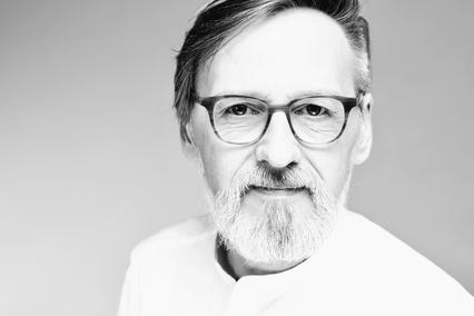 Robert Neuhaus, Psychotherapeut