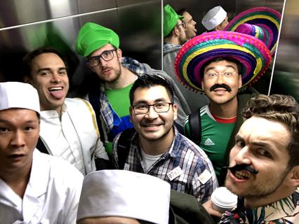 そしてエレベーターの中が、こう。