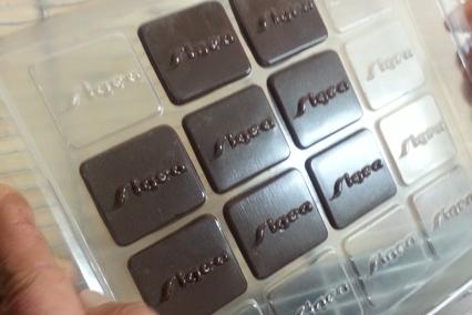 moule à chocolat thermoformée crossconcept pour la société sigea