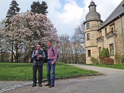 Michael Bogedain – verantwortlich für Orte-verbinden.de – und Karl Heinz Schäfer – verantwortlich für den Alten Pilgerweg – beim Interview © Katholisches Medienhaus