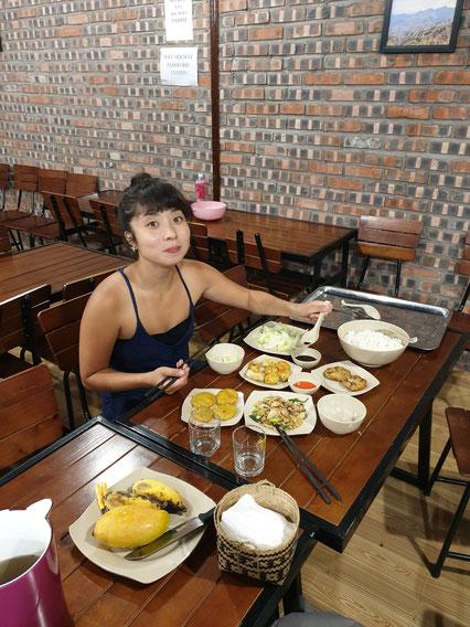 Leckeres Abendessen im Hostel in Ha Giang
