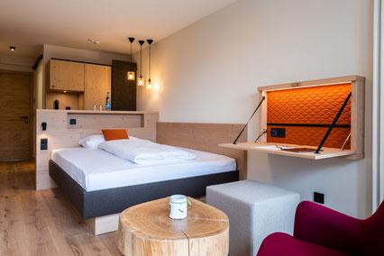 Zimmer  mit Südbalkon und Bergblick