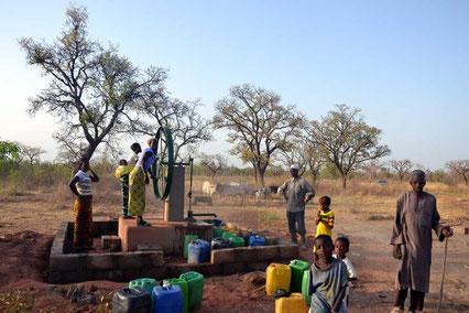 Pompe au village de Sisséné