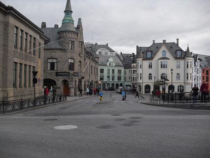 Blick in die Innenstadt von Alesund