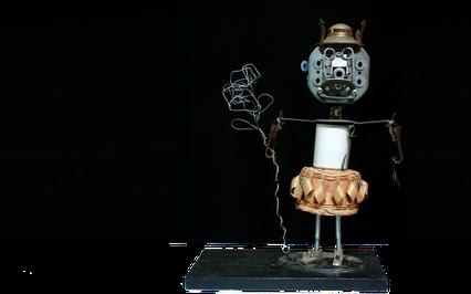 sculpture assemblage d'objets récupérés