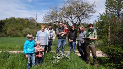 Die Gruppe freut sich auf die Frühlingspflanzen