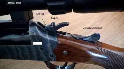 Der Hammer der Atlas Bockbüchsflinte hat einen schwenkbares Schlagstück um auf die jeweiligen Läufe umzuschalten