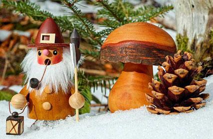 Lustige Weihnachtsgedichte: Räuchermännchen