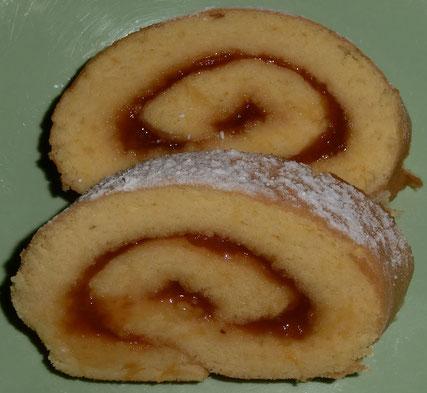 Bisquit Roulade mit selbst gemachter Marillenmarmelade !!!