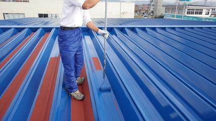 花巻市屋根中塗り塗装