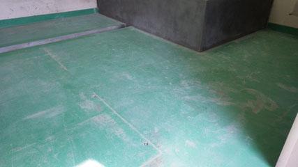 床塗装前の状況