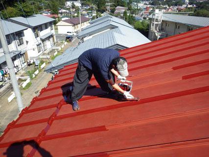 屋根塗装(中塗り・刷毛)