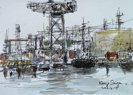 横浜市・新港埠頭のクレーンと船