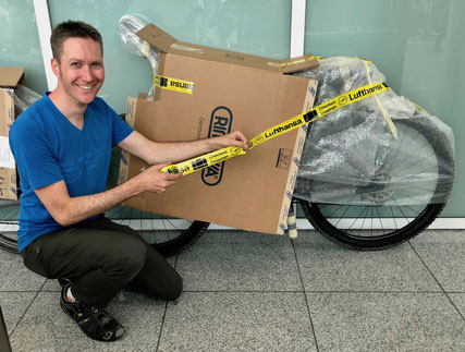 Verpacken Fahrrad für Flug, Fahrradkarton, Fahrradtransport