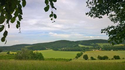 Blick vom Hohlweg auf das nördliche Weserbergland © Lippe Tourismus & Marketing GmbH