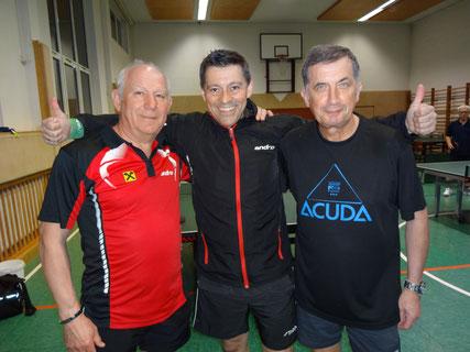 Siegfried Föllerer und Erwin Kohl holten den Titel für den TTV Sierndorf! Obmann Albert Wilder gratulierte.