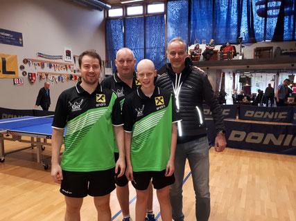 Unser Ausstatter Andreas Kopriva von Gosports besuchte unser Spiel gegen Gumpoldskirchen.