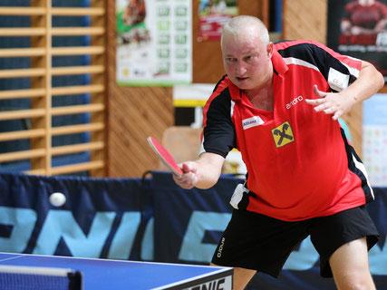 Tomi Janci führt Sierndorf gegen Baden und Gumpoldskirchen in die erste Doppelrunde. Foto: Österreichische Tischtennis Bundesliga / Franz Krestan