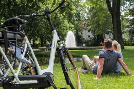 Fahrradspaß mit E-Bikes ©  Marketingpool Radfahren Teutoburger Wald