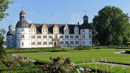 Schloss Neuhaus © Tourist Information Paderborn