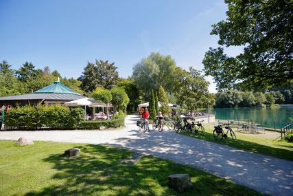 Padersee mit Pader-Café © Tourist-Information Paderborn