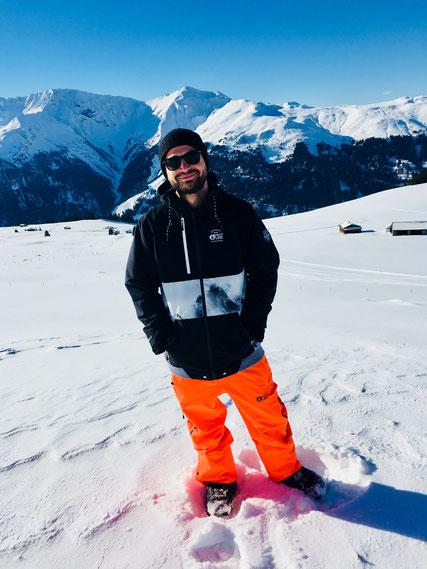 Marcel mit seinem neuen Outfit von der Marke Picture