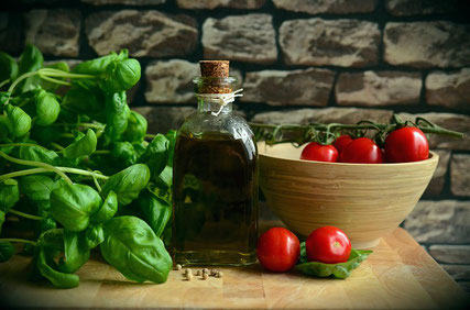 Olive oil tomatoes basil