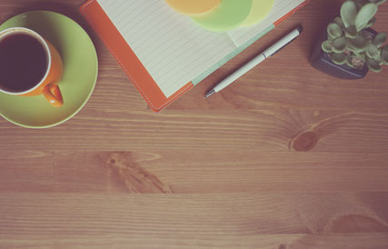 Photographie gratuite café et cahier