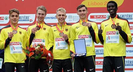 Markus Görger mit seinem Bronze-Team - Foto: Jens Priedemuth