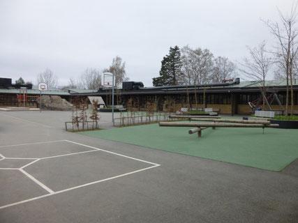 Pausenhof der St.Eriks Schule in Stockholm