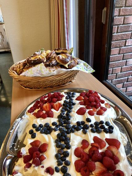 Pavlova und Wienerbrød: Typische Gerichte am Nationalfeiertag in Norwegen