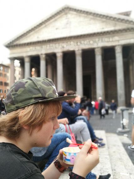 Ein kleiner, feiner Eis-Stopp am Pantheon