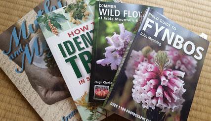 南アフリカに行くたびに買い求めて来る本たち