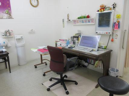 医療法人元気会 なかむら小児科 診察室