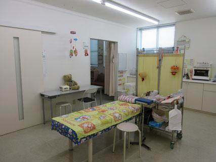 医療法人元気会 なかむら小児科 処置室