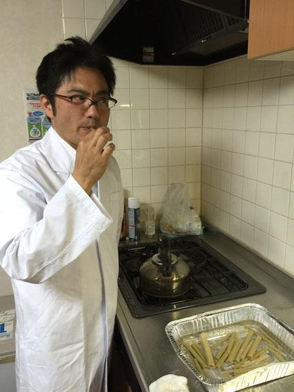 遂にイタドリを食すガーデンドクター柴ちゃん その味は一体!?