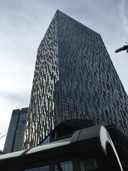 大名古屋ビルヂングも生まれ変わった 昔はビルの屋上に丸い広告があったんだよなあ