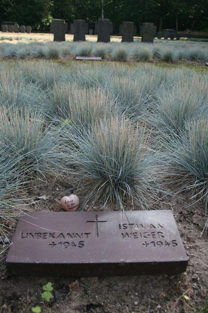 Gedenkfriedhof im Lohrer Wald