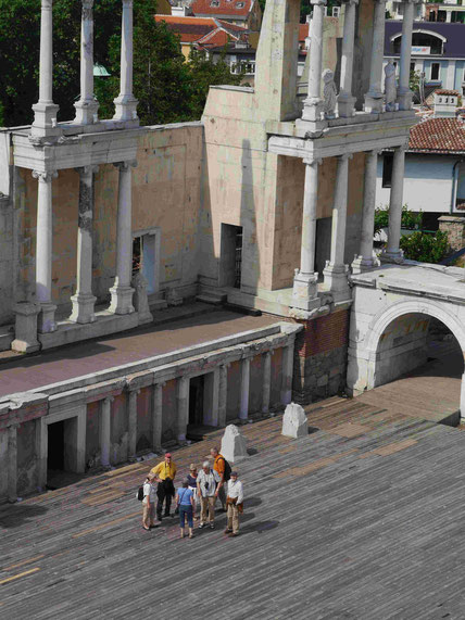 TKK-Mitglieder singen im römischen Amphitheater in Plovdiv