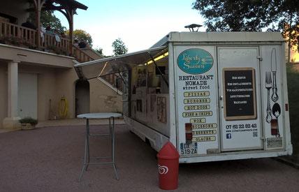 Liberty Sfood truck boeuf bourguignon et plats traditionnels. food truck brunch de mariage . Liberty Saveurs Food truck Mâcon. Food truck Saône-et-Loire . Food truck Bourg-en-Bresse. Food truck Crêches-sur-Saône. food truck