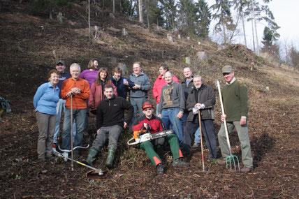 Aktive der LBV-Kreisgruppe nach der Biotoppflege am Plestener Spitzberg.