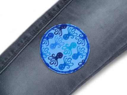 Bild: Bügelflicken für Kinder mit kleinen blauen Tintenfischen