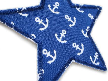 Bild: maritimer Stern Aufbügler dunkelblau mit weißen Ankern, als Flicken Bügelflicken zum schnellen Reparieren von Kleidung