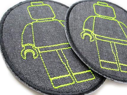 Bild: Jeansflicken zum aufbügeln mit Legomännchen in neon gelb, Flicken für Kinder,  nachhaltig reparieren