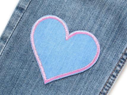 Bild: Jeansflicken Herz hellblau rosa, Flicken zum aufbügeln für Mädchen