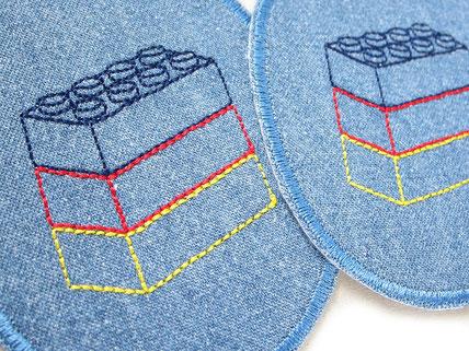 Bild: blaue Lego Jeansflicken, Flicken zum aufbügeln mit Legosteinen