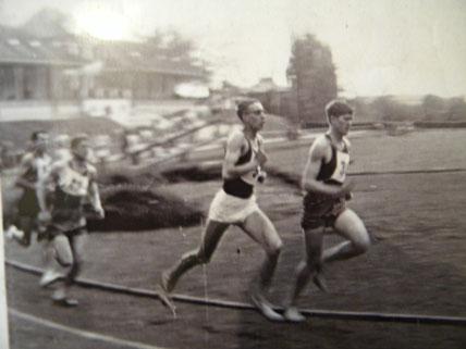 Michel Bethune (en short blanc)  Vice champion de France militaire du 5000m en 1967 a Fribourg ( en Allemagne )